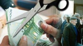 «Μαχαίρι» εως και 30% στις νέες συντάξεις ζητούν οι θεσμοί